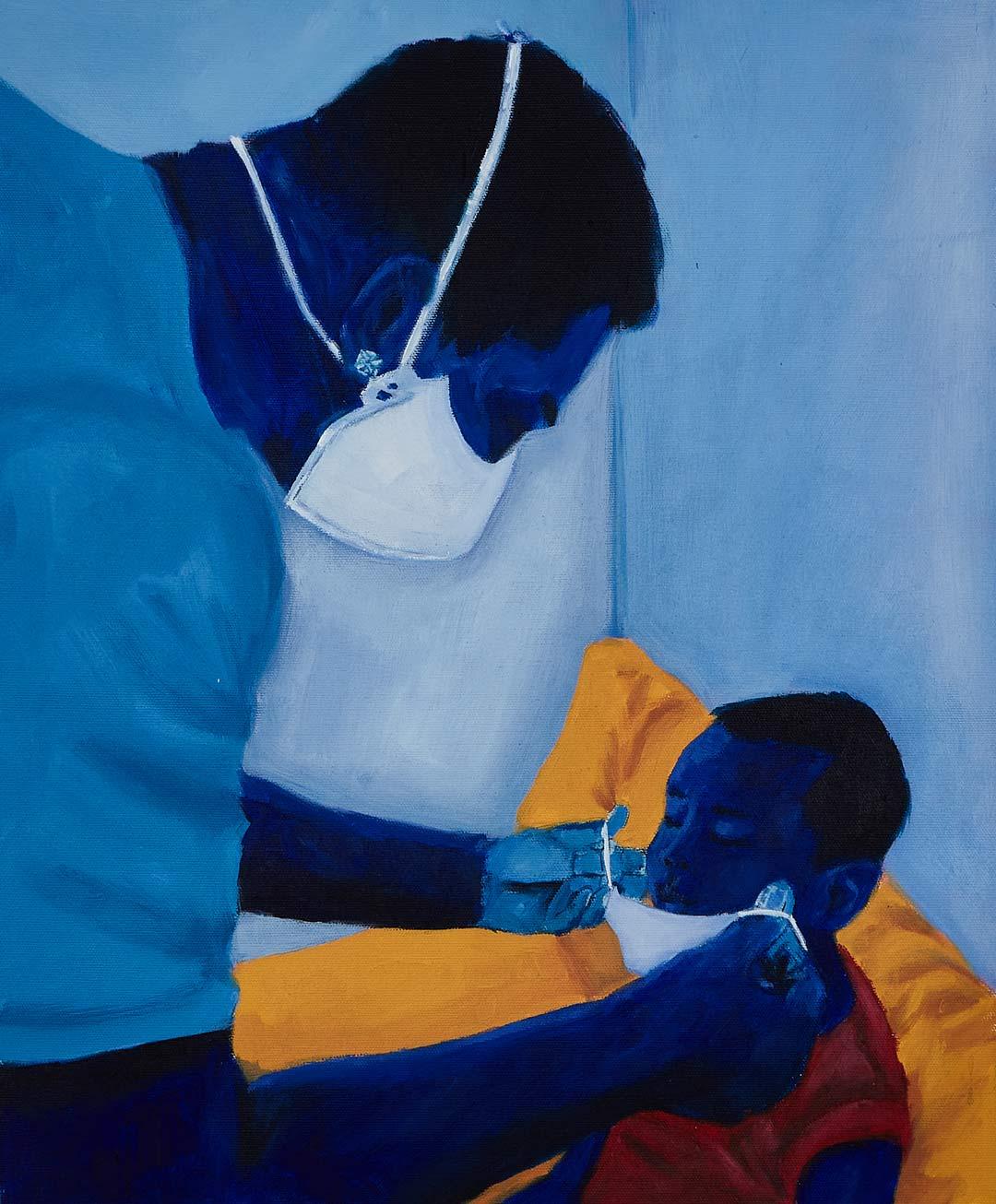 De máscara, um pai coloca uma outra máscara em seu filho pequeno.